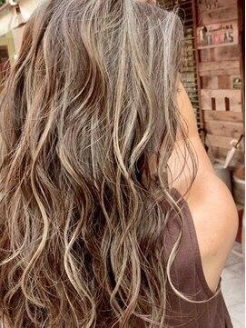 ラボゼロワンヘアデザインズ(LABO-01 hair designs)コントラストハイライト