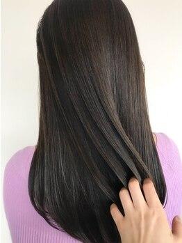 """ヘア スペース シュシュ(HAIRSPACE chou chou)の写真/豊富なこだわり商材からアナタの""""髪質に合わせた""""ベストな厳選トリートメントをご提案いたします♪"""
