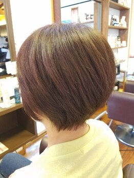 ビピット(vipit)の写真/92%天然由来のヴィラロドラ☆白髪をカバーしながら明るい色味も綺麗に染まる◎自分らしく若々しい髪色に♪