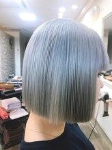 ダブル ヘア ルーム(W hair room)ホワイトブリーチカラー