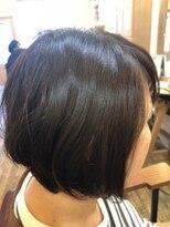 ヘアスペース ルーツ(Hair space Roots)ふんわりショートボブ