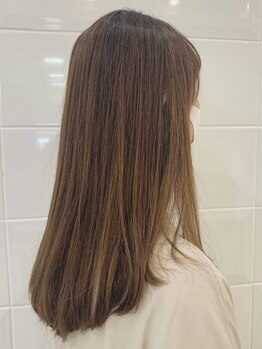 ゼル イオンタウン名西(ZELE)の写真/【庄内通5分】毎日がキレイに☆なりたいスタイルに合わせダークカラーだけじゃないお洒落な白髪染めを提案!