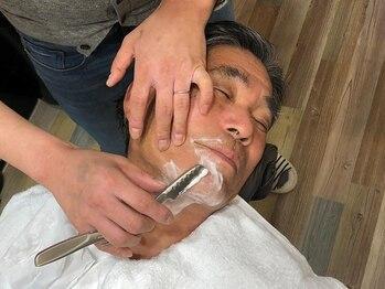 カナル(canal)の写真/[個室の理美容室]シェービングは、お肌に優しい刃と、こだわりの酸性商材を使用。プロの技でスベスベ肌へ♪
