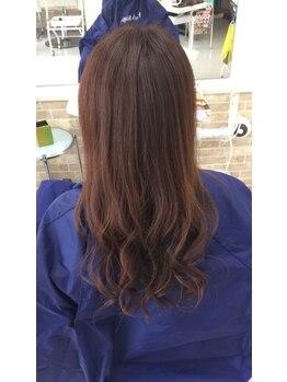 ヘアープロデュース エムズ(HAIR PRODUCE M's)の写真/《髪と頭皮に優しいハーブマジックカラー☆》ファッション性の高い色味も再現できる魅せるグレイカラー♪