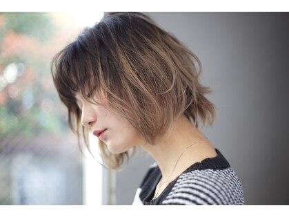 ヘアメイク ベンチ(hairmake Bench)の写真