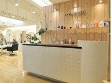 ジャックビーンズ 石山店(jack beans)の雰囲気(白のタイルと木のぬくもりがマッチした店内。)