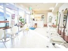 美容室エムアンドピース 板橋店(M&Ps)の雰囲気(シンプルなデザインが落ち着きますよ♪)