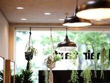 アグ ヘアー タルト 青葉通り店(Agu hair tart)の雰囲気(開放的な空間。ゆったり寛げる場所。)