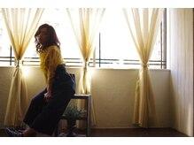 ティティアンバイイザ(titian by IZA)の雰囲気(2階にあるので階段、エレベーターどちらかでお上がりください*)