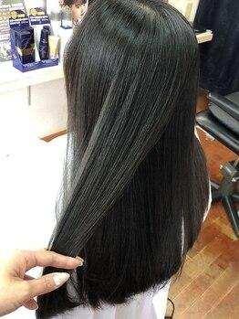 ガーデン 美容室の写真/トリートメントでくせ毛が伸びる?!乾燥や湿気による広がり・パサつきを改善してくれる《ANTI-FRIZZ》導入★