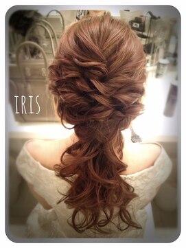 編み込みポニーテールヘアアレンジ(結婚式の髪型)