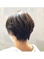 ウルフショート/ショート/40代50代60代/白髪染め/艶カラー/小顔