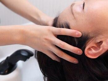 マインズリノ(MINDS LINO)の写真/【乾燥&夏の紫外線ケアに】半個室空間で施術する極上のミヤビナ…♪頭皮集中ケアラインコースのご用意も◎