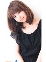 ウィービーパセリ(webeparsley by Johji Group)【PARSLEY】小顔可愛いエアリーワンカールロブ(妹尾祐紀)