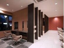 アース 三木店(HAIR & MAKE EARTH)の雰囲気(ペアで座れる席や個室なども完備。ゆったり自分時間が過ごせます)