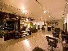アウラ ヘアアンドビューティー(AURA HAIR & BEAUTY)の雰囲気(居心地の良い贅沢な空間…)