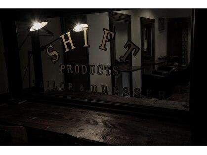シフト(SHIFT)の写真