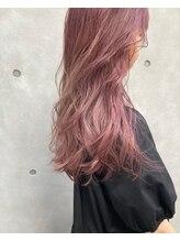 アリーズヘアー 青山(allys hair)ピンクグレージュ 暖色系カラー ロングボブ 大人ガーリー 抜け感