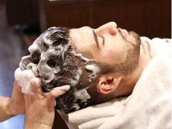 ヘアーサロン キンザマツナガ 築地店(Hair Salon GINZA MATUNAGA)の写真/【築地・新富町1分】オールハンドでじっくりコリをもみほぐします。終わった後はスッキリ、リフレッシュ★