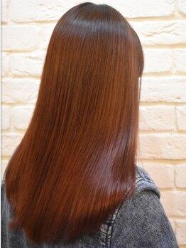 スプールヘアデザイン(SPOOL Hair design)の写真/生え癖、骨格を見極めたオーダーメイドスタイルが好評。 ゆったり空間で丁寧なカウンセリングを行います*