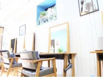 ロエナ(ROENA)の写真/駅徒歩2分☆4席【一人ひとりを大切に】余裕ある予約システム。心地よいリラックス空間でヘアスタイルを提供