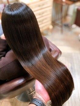 サンク エトワール(Cinq Etoiles)の写真/【髪の病院認定者】が細かいカウンセリングでダメージの原因を見極めて改善いたします!