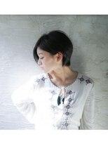 ジジ(Gigi)☆頭の形がよく見えるショートカット☆