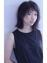 ノワール ヘアー デザイン(noir hair design)《noir》伸ばし中でもおしゃれな黒髪ロブ