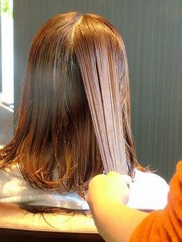 テリーウスキ 太田店(Terry usuki)の写真/高松ではまだ貴重なカレスモア★キューティクルを引締め、傷んだ髪のたんぱく質を補修します♪