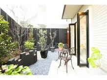 フランジパニ 鎌倉(frangipani)の雰囲気(天気の良い日は開放的な中庭でカフェタイムをご提供出来ます!!)