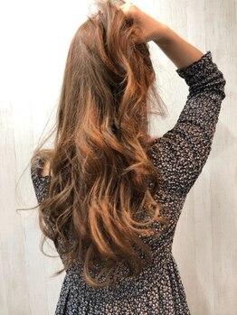 アルファ ヘアー デザイン(alpha hair design)の写真/髪を知り尽くしたプロが厳選したトリートメントで誰もが憧れるうるツヤ髪に!感動の手触りが続きます♪