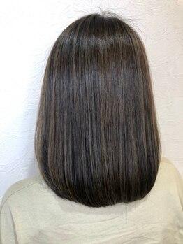 ジャガラ 千葉中央駅店(JAGARA)の写真/[高濃度美容液カラー]髪質を見極めトリートメントをブレンド!ダメージ修復+透明感が楽しめる♪【千葉】