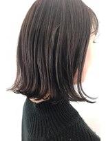 ヘアーアイスカルテット(HAIR ICI QUARTET)ダークグレイ 切りっぱなしボブ