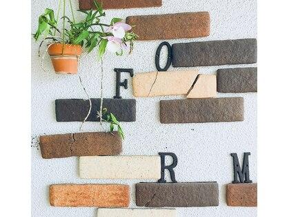 フォルム(FORM)の写真