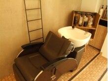 マハロ ヘアサロン(mahalo hair salon)の雰囲気(くつろげるシャンプースペースです♪)