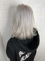 アルマヘア(Alma hair)【Alma】ホワイトアッシュカラー☆外ハネボブ