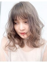 スーリール イマイズミ(Sourire Imaizumi)《sourire 堀本》クリアベージュ、ミディ