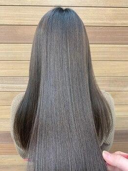 美髪クリニック エクシオール(Exsior)の写真/見た目年齢に違いが!エイジングケアが叶う魔法の髪質改善。年齢に負けない髪質に。時を戻すカラーエステ。