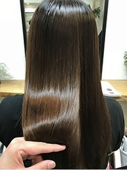 ベロニカ(Beronica)の写真/クセや広がり、パサつきにお悩みの方は是非一度お試し下さい♪《Beronica》の縮毛矯正で極上の艶髪へ★