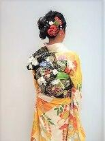 フラココトリコ(hurakoko trico)華やかな成人式のヘアアレンジ