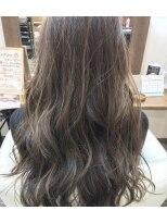 ハロ (Halo hair design)ウィービングで作る外国人風アッシュグレー