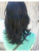 オリ(oli)セミロング レイヤースタイル 暗髪ブルーグレー