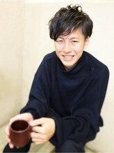 プーニョ(PUNO)黒髪2ブロックショート