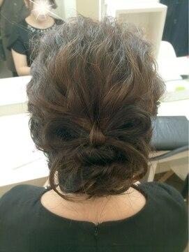 リラシス(RELASIS)【RELASIS】地毛で細リボン♪髪飾りいらずのアップスタイル