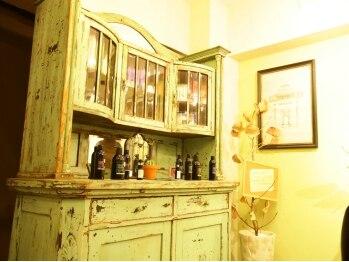 エトワールブランシェ (Etoile Blanche)の写真/ココロをワクワクさせるレトロな雰囲気が可愛い★オシャレな店内で発見するのは今までとは少し違う私♪
