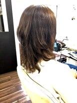 ヴィオレッタ ヘアアンドスペース(VIOLETTA hair&space)レイヤーカット×デジタルパーマ×ミディアム