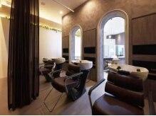 ヘアーアンドビューティーショップ エボルティー(hair&beauty shop EvoLuty)の雰囲気(ゆったりと落ち着ける空間にあるシャンプー台)