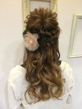 編み込みハーフアップアレンジ(結婚式の髪型) アリーズヘアー allys hair 心斎橋OPA外国人風ルーズ編み込みアレンジ