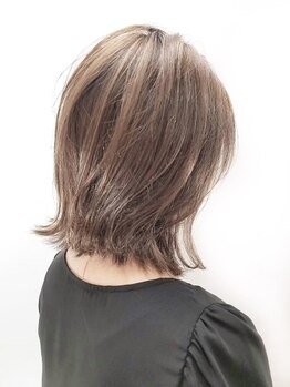 クオリス 赤塚店(QUALIS)の写真/QUALISでは髪への負担を最小限に抑えたカラー剤を使用しています♪トレンド×似合わせカラーが人気の秘密★