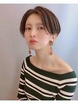 【morio 原宿】センターパート 前髪長め ハンサムショート